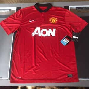 2013 NWT Nike Manchester United Mens Soccer Jersey